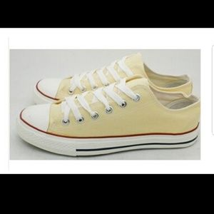 Converse beige chuck Taylor all star low tops